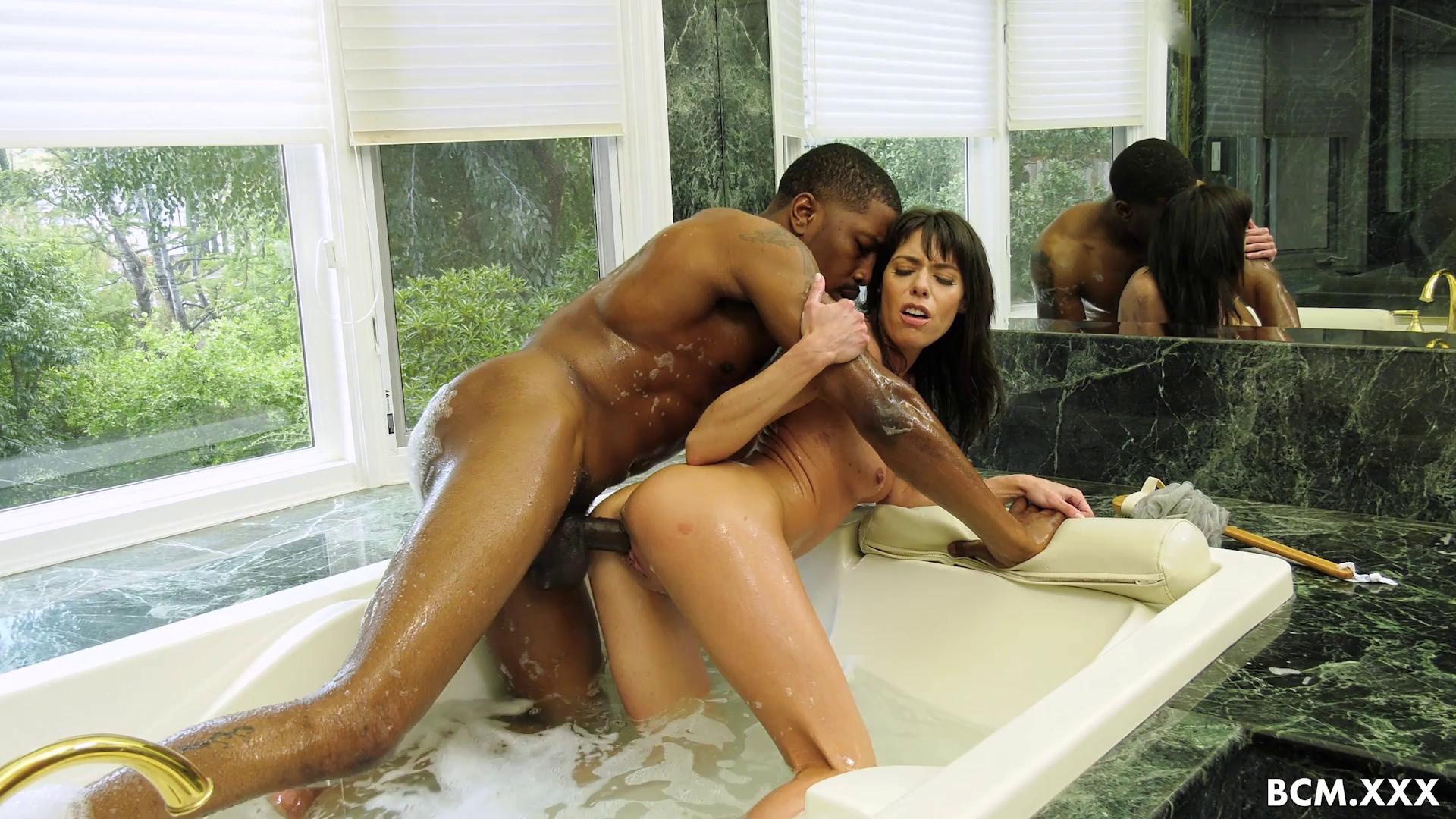 Lexi Foxy Will Never Forget That Black Cock Experience