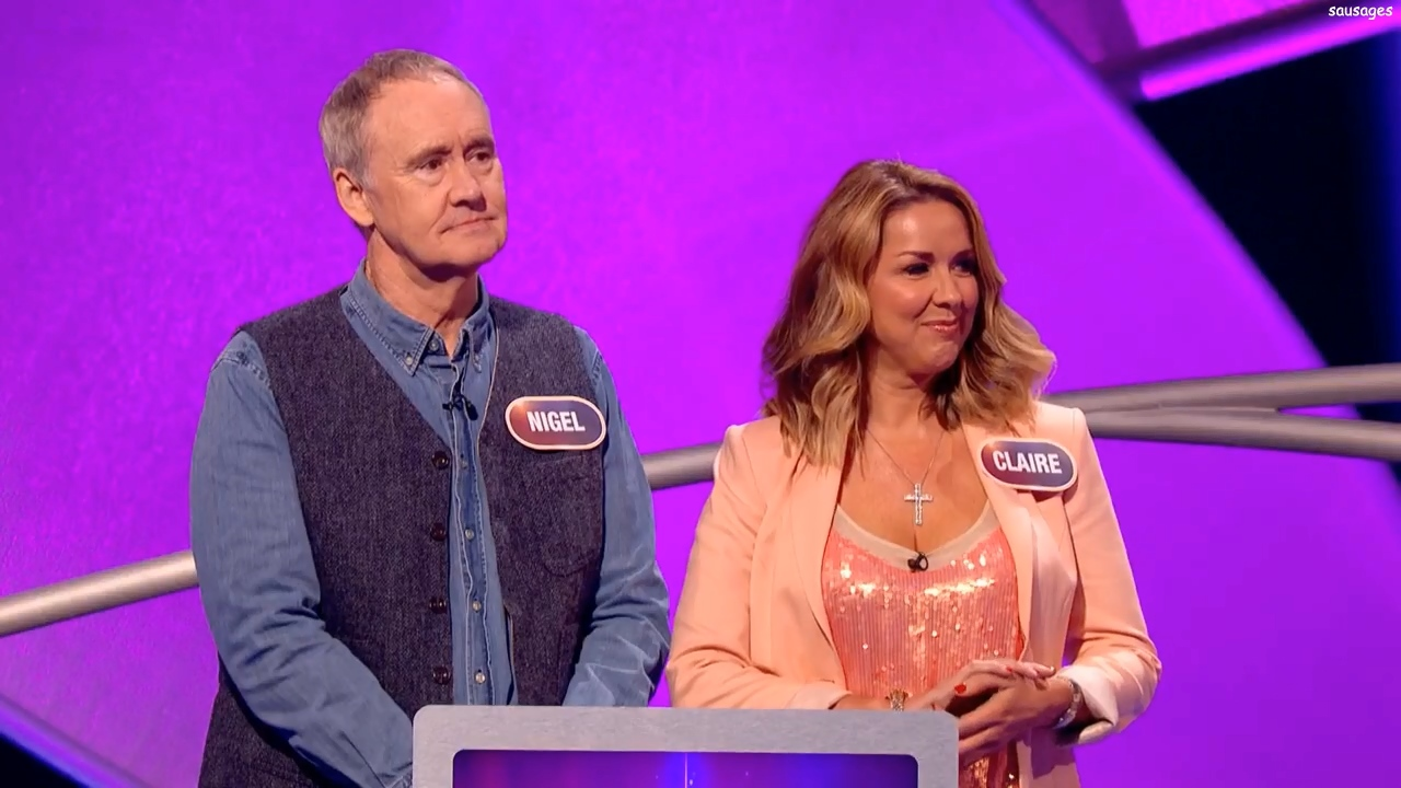 81875176_clairesweeney-pointlesscelebrities-s10e26-recorded20170520-sausages-12.jpg