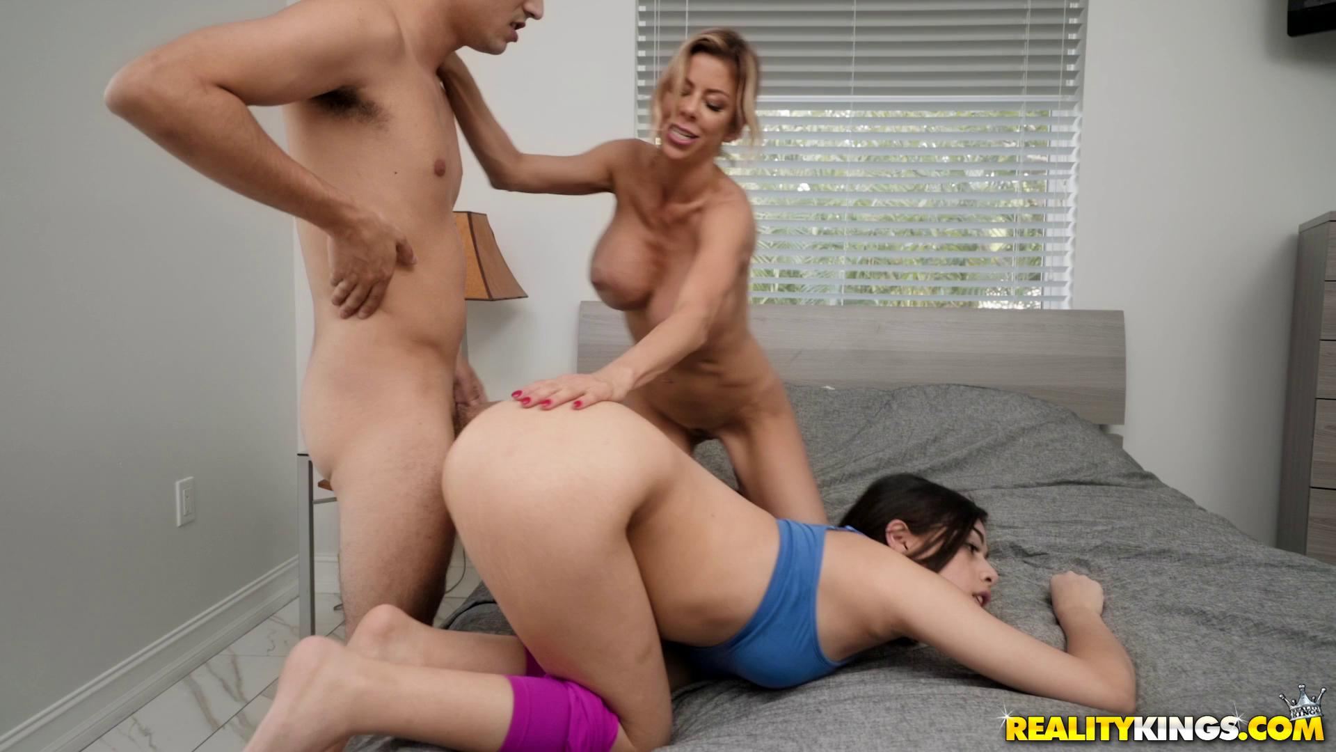 Alexis Fawx And Harmony Wonder Threesome With Harmony
