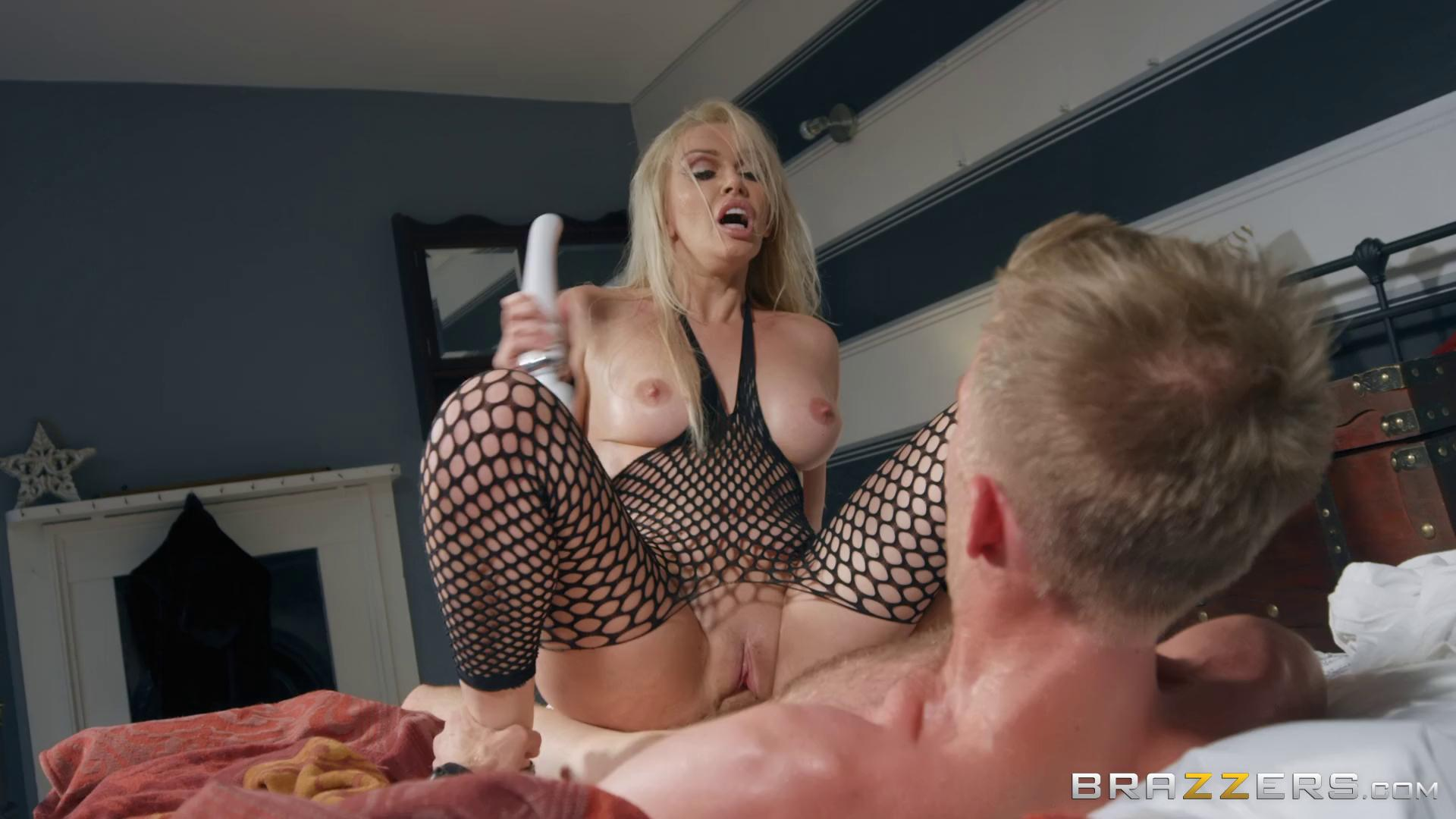 Amber Jayne The Art Of Decluttering And Orgasming