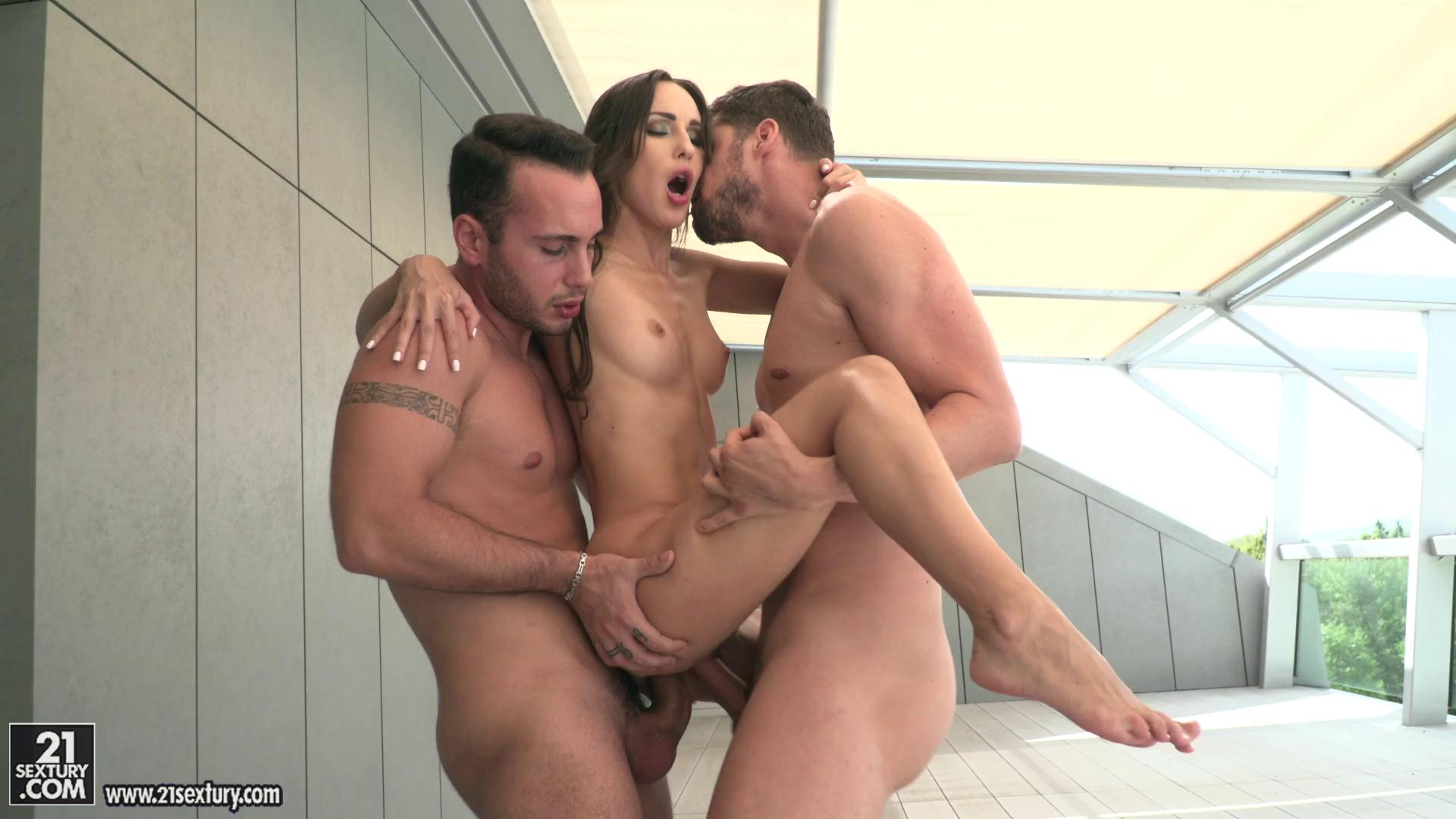 Lilu Moon Incredible Orgasms