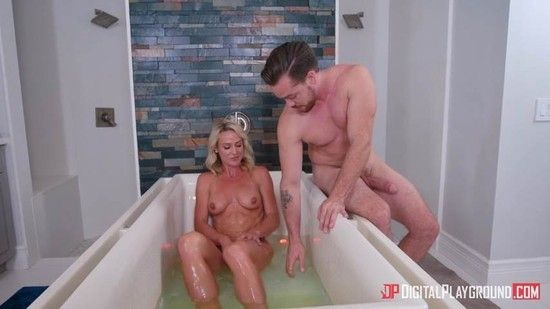 DigitalPlayground – Bath Time With Sydney – Sydney Hail