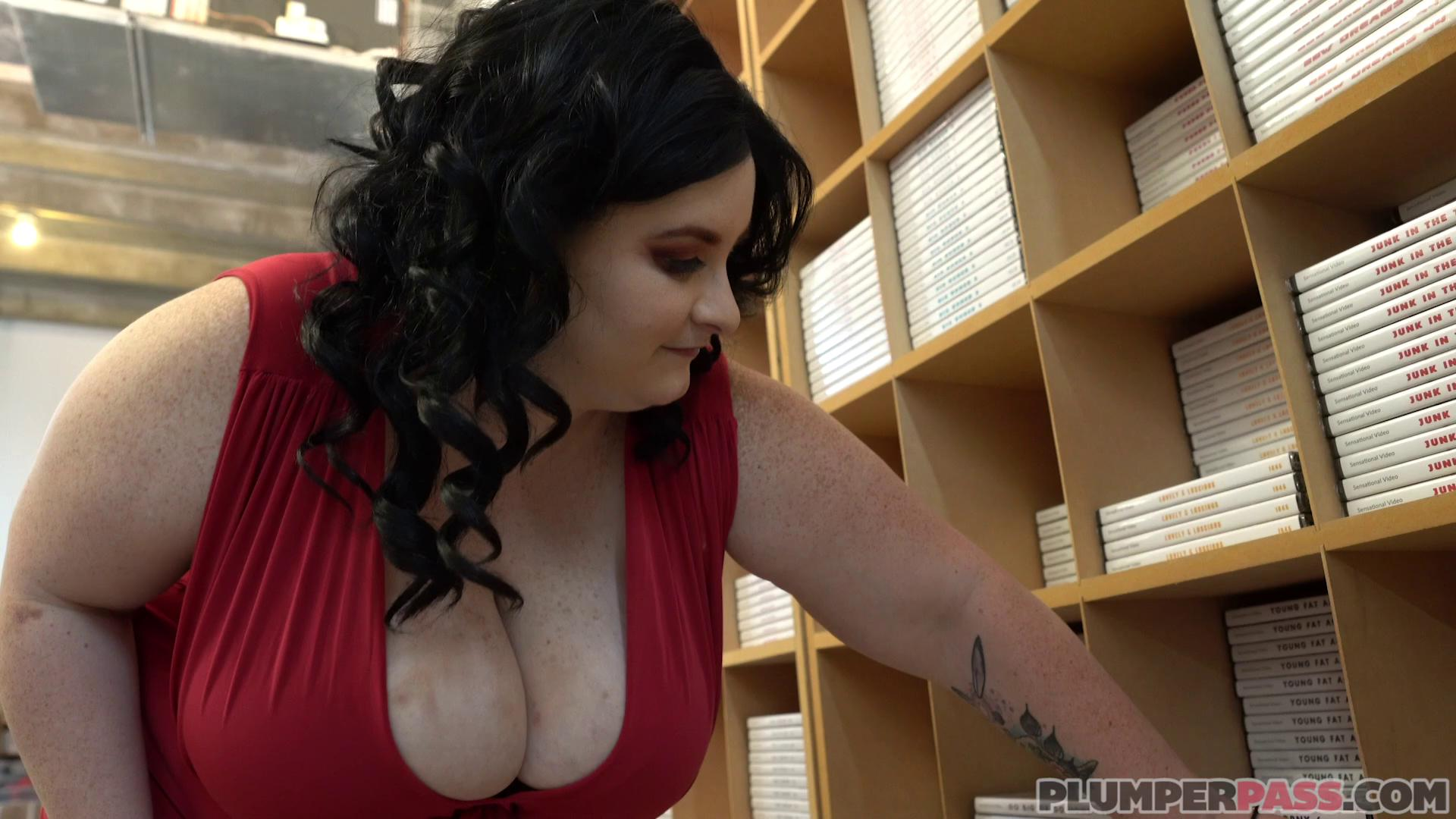 Alyson Galen Thickness In The Office